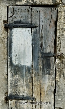 Archifact no.3_door with white patch_45x80cm